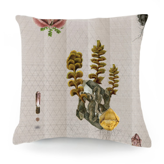 cushion_deserted_crystal1-562x562