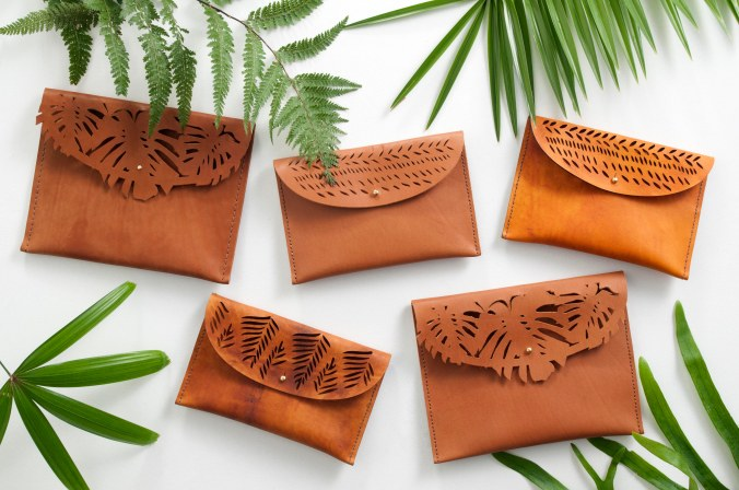 Ilundi leather clutches